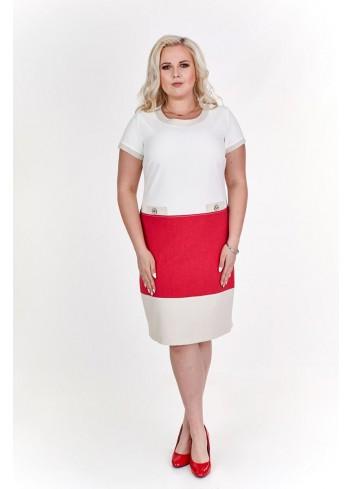Prosta sukienka z czerwonym elementem Plus Size