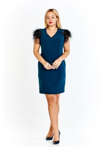 Sukienka o prostym kroju z rękawami ozdobionymi piórami Plus Size