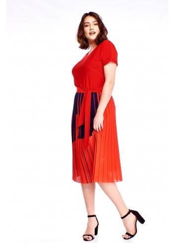 Sukienka z plisowanym dołem Plus Size