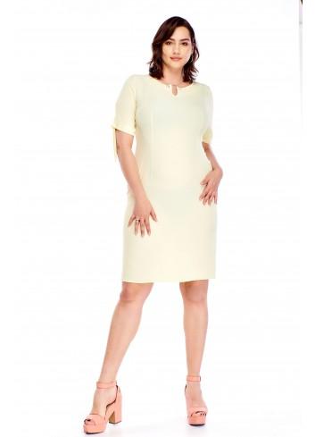 Sukienka z wiązanymi rękawami i biżuteryjną ozdobą Plus Size