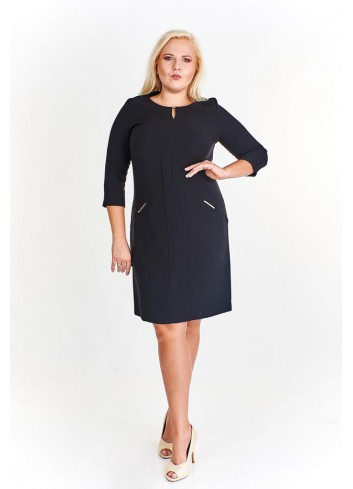 Taliowana sukienka z biżuteryjnymi detalami Plus Size