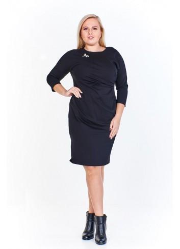 Dopasowana sukienka z drapowanym bokiem Plus Size