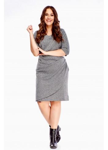 Uniwersalna sukienka z modnym marszczeniem duże rozmiary