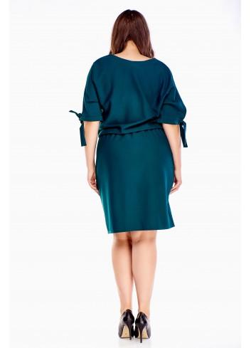 Luźna sukienka z wiązaniami na rękawach PLUS SIZE