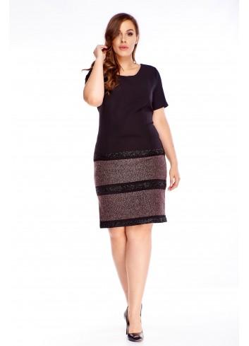 Elegancka ołówkowa czarna sukienka dla puszystych