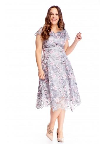 Zwiewna delikatna rozkloszowana sukienka w kwiaty na wesele