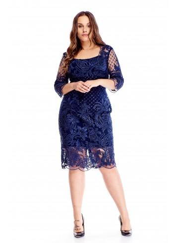 Haftowana sukienka z tiulowymi wstawkami dla puszystej XXL