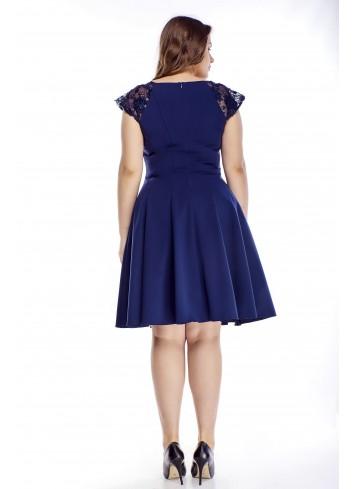 Klasyczna rozkloszowana sukienka na wesele duże rozmiary