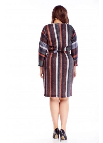 Wzorzysta sukienka z wiązaniem w pasie wyszczuplające paski
