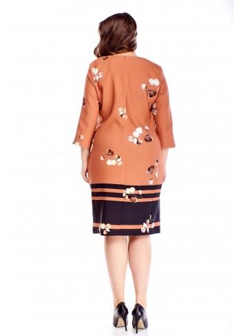 Wzorzysta sukienka z kopertowym dekoltem dla puszystej XXL