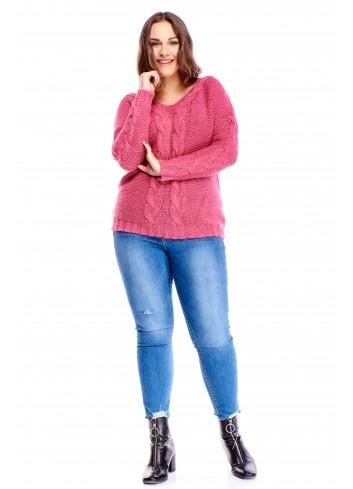 sweter z grubymi warkoczami