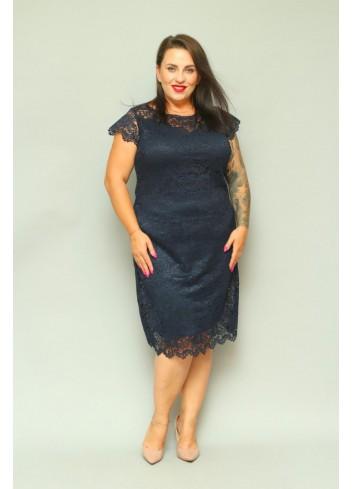 PROMOCJA -30% Elegancka sukienka trapezowa koronkowa z gipiurą Plus Size