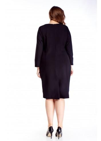 Czarna sukienka z lamówką do pracy dla puszystej XXL