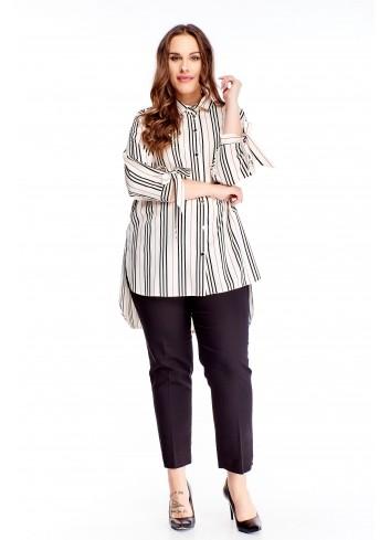 Elegancka koszula z wydłużonym tyłem.