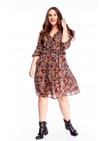 Zwiewna wzorzysta sukienka midi dla puszystych XXL