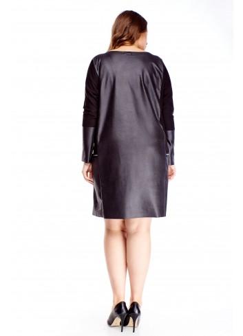 Sukienka oversize z imitacji skóry i kieszeniami PLUS SIZE
