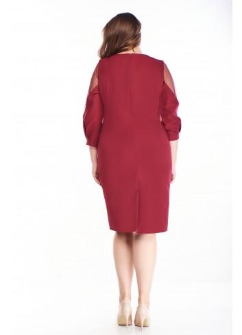 Sukienka z tiulowymi wstawkami na rękawach dla puszystej