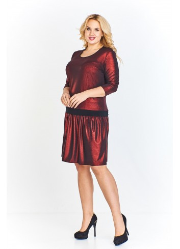 Sukienka z połyskującej tkaniny z kontrastującym pasem ze swobodnie rozkloszowanym dołem