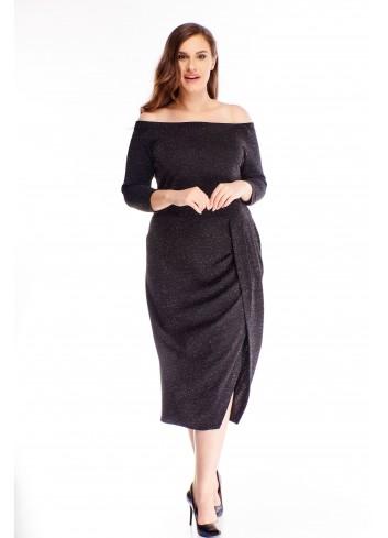 brokatowa sukienka z hiszpańskim dekoltem