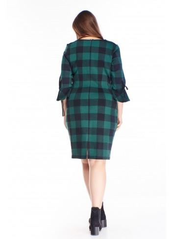 Wzorzysta sukienka z falbanami do pracy i na co dzień XXL