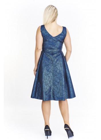 Rozkloszowana elegancka suknia koktajlowa dla puszystych