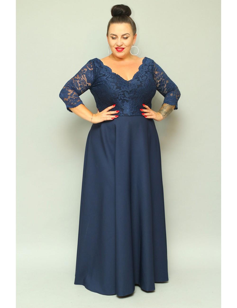 Granatowa długa sukienka wieczorowa plus size z koronką