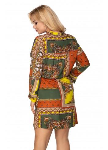 wzorzysta sukienka szmizjerka ze ściągaczem w pasie