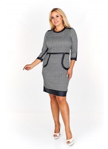 Elegancka sukienka z lamówkami Plus Size