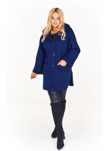 Płaszcz z kapturem oraz z wytłaczanym wzorem na mankietach