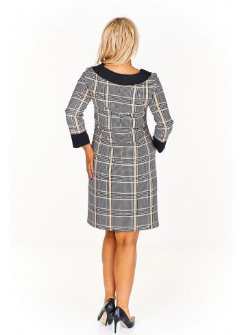 Sukienka w kratkę z kontrastującym wykończeniem