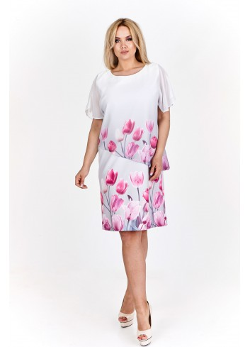 Prosta, warstwowa sukienka z wzorzystym szyfonem