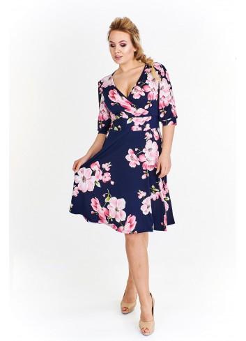 Wzorzysta sukienka z rozcięciami na ramionach Plus Size